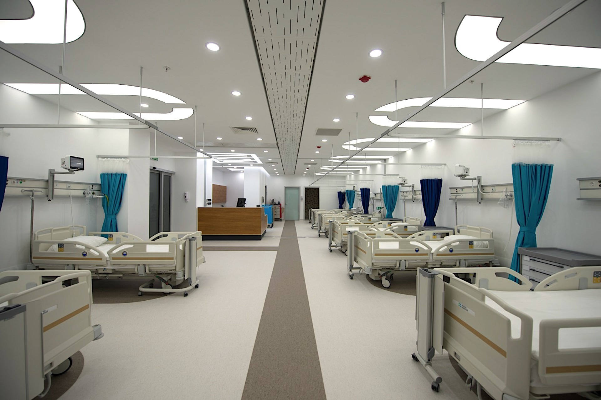 iSTANBUL ASiA SiDE HOSPiTAL for SALE